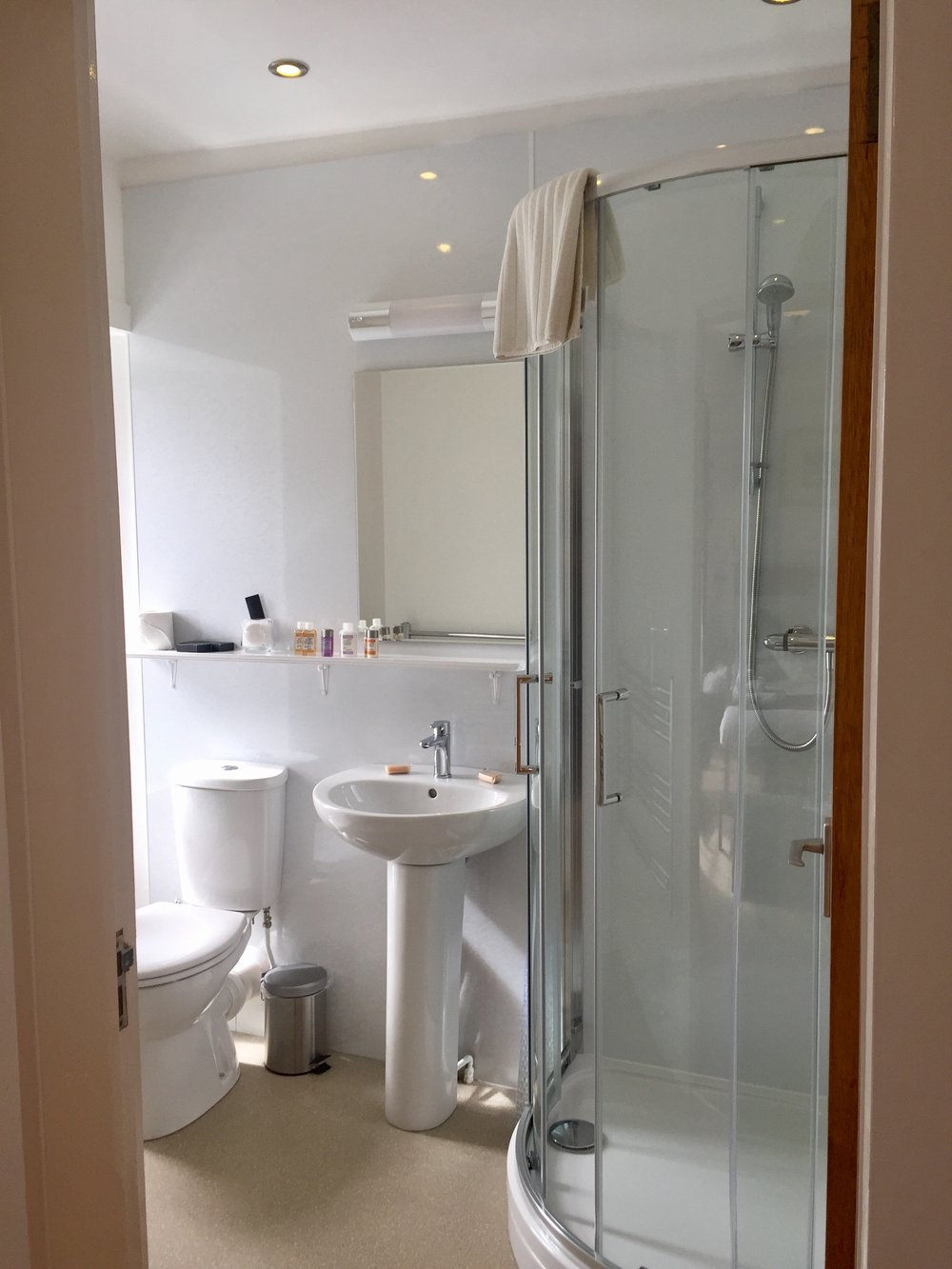 Sea view ensuite shower room