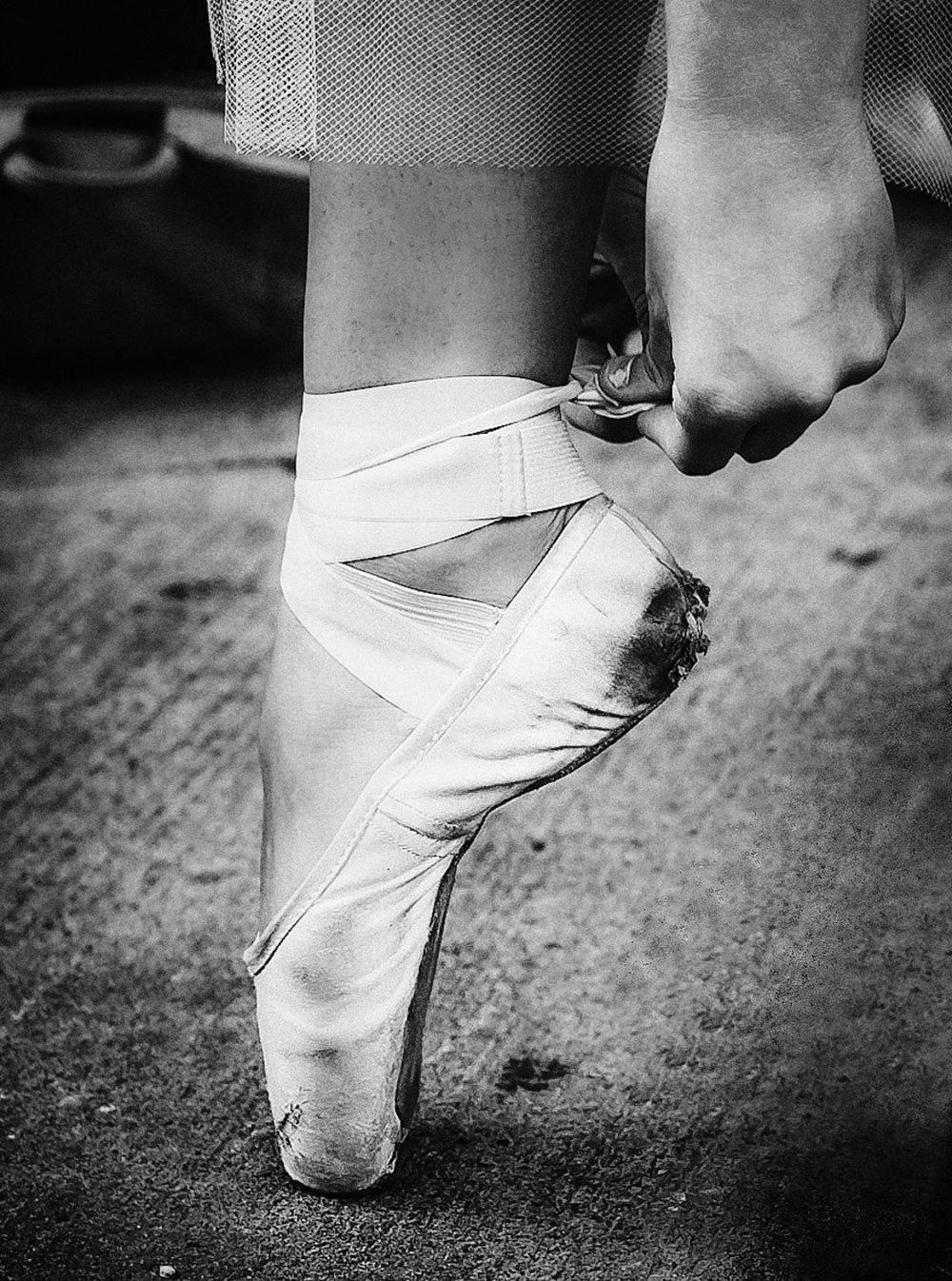 Fujifilmx Portraits Ballet shoe bw (1 of 1).jpg