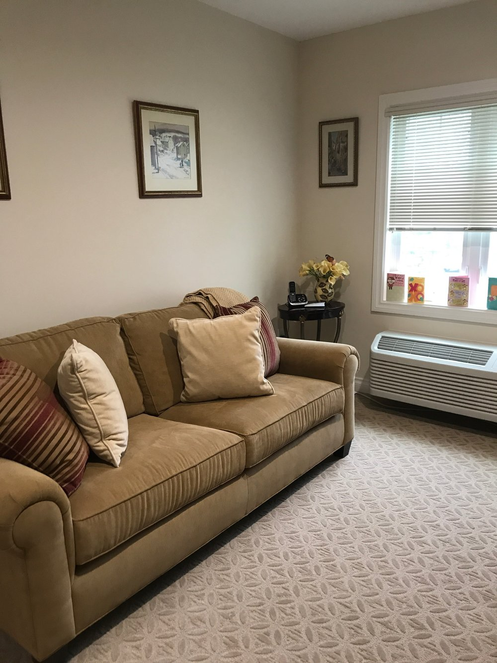 Assisted Living - Living Room
