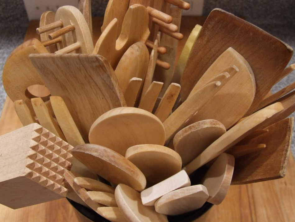 Kitchen Utensil Clutter