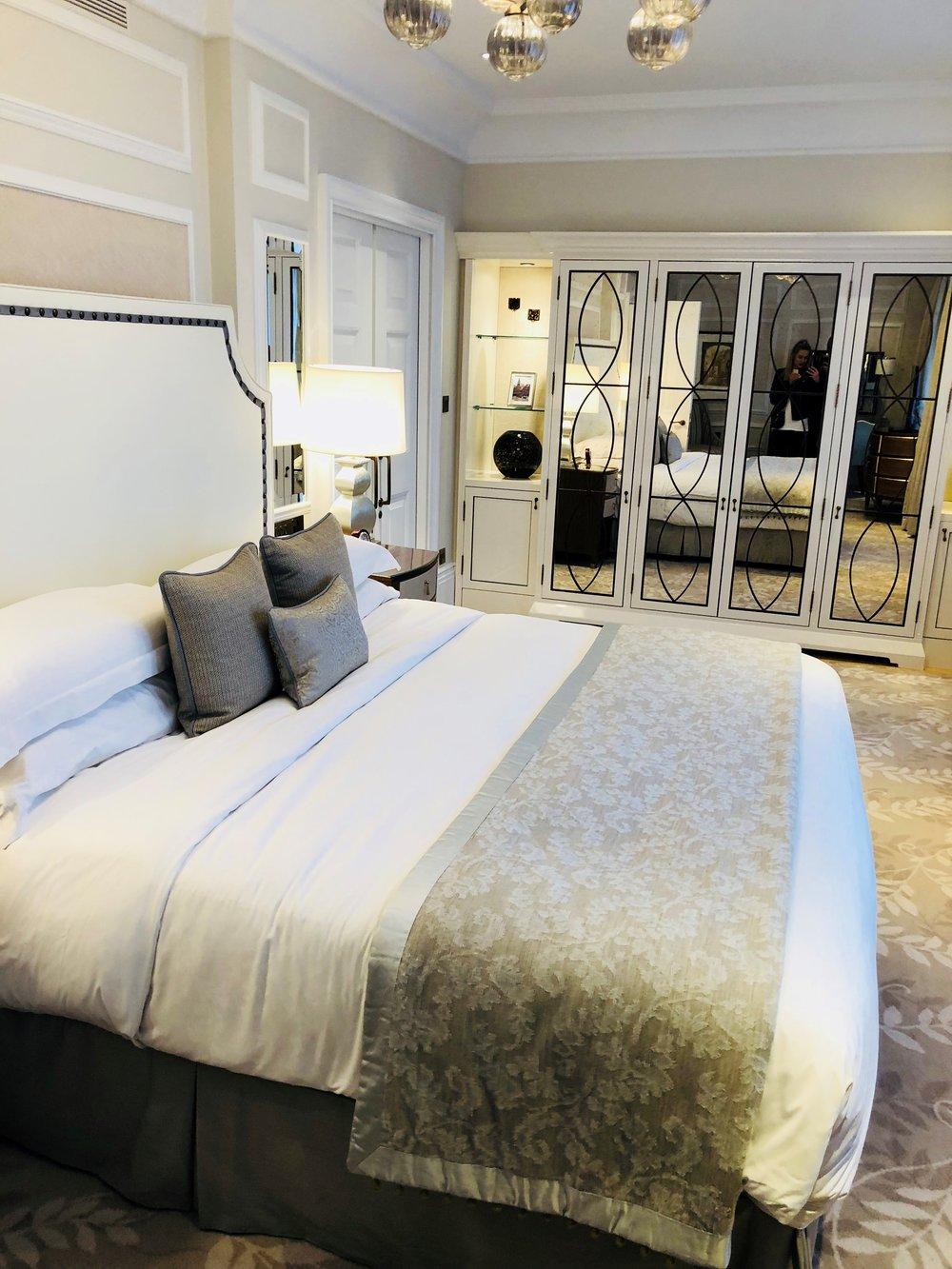Langham_Hotel_Room.jpg