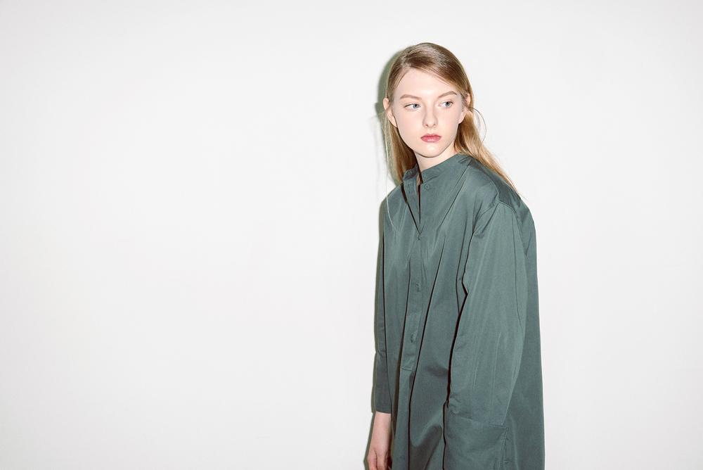 S01. Green long shirt