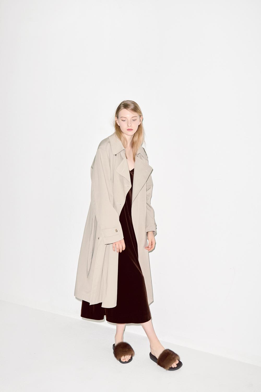 TC01. Light beige trench coat, D03. Brown velvet dress