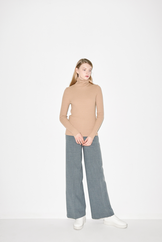 K02. Camel turtle neck, P03. Grey pants