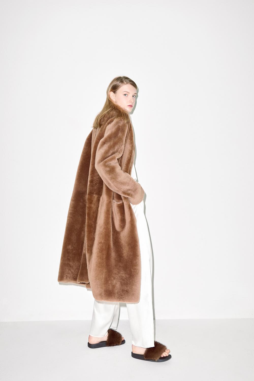 FC02. Brown fur long coat