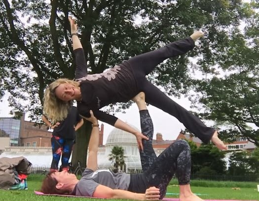 acroyoga jo and tanya side star.JPG