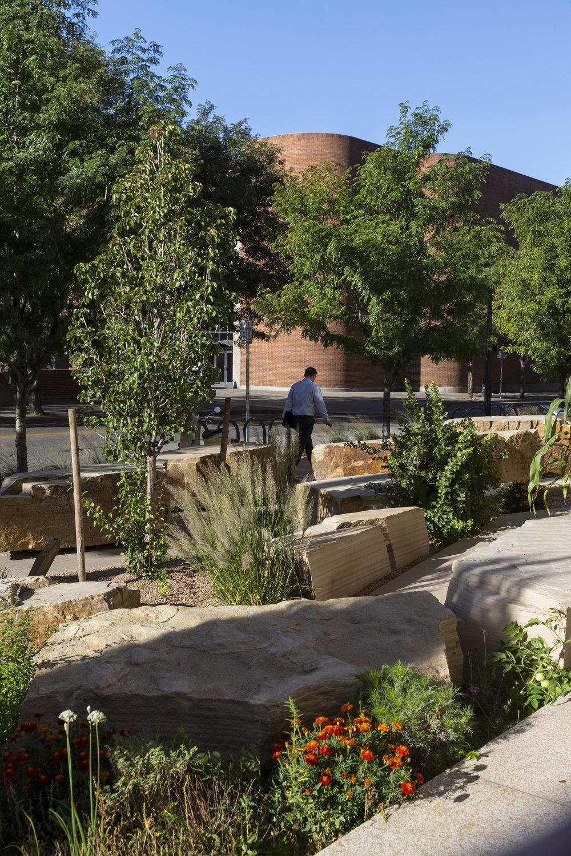 "<  img  src  =  ""    studioINSITE_History_Colorado_Ctr_BoulderLandscape    ""  alt  =  ""Denver_Museum_History_Colorado_Civic_Culutural_Landscape_Architecture_Urban_Design_Celebration_Streetscape_Plaza"" title  =  ""History_Colorado_Center""  />"