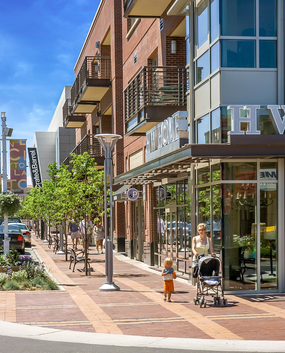 "<imgsrc=""studioINSITE_CCN_Clayton_Lane_Pedestrian_St""alt=""Denver_Shopping_Urban Design_Master_ Planning_Planning_Mall_Cherry_Creek_Colorado_Denver_Landscape Architecture"" title=""Clayton Lane""/>"