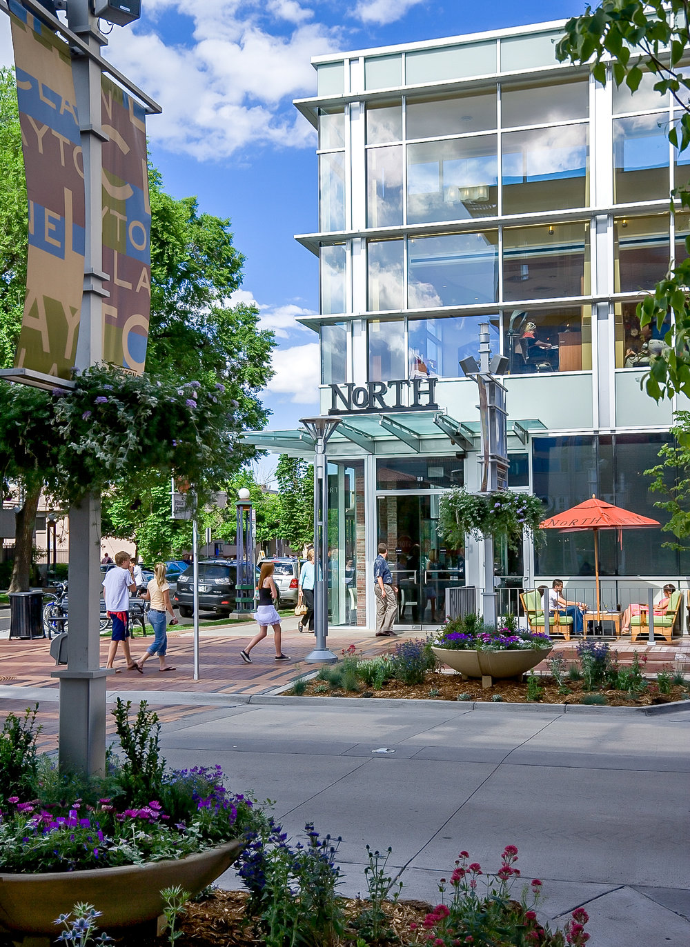 "<imgsrc=""studioINSITE_CCN_Clayton_Lane_Retail_Streetscape""alt=""Denver_Shopping_Urban Design_Master_ Planning_Planning_Mall_Cherry_Creek_Colorado_Denver_Landscape Architecture"" title=""Clayton Lane""/>"