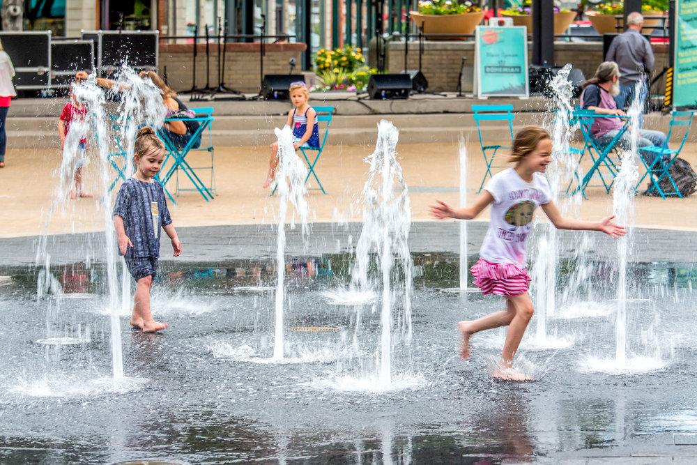 Old_Town_Square_Fountain running-edit (1 of 1).jpg