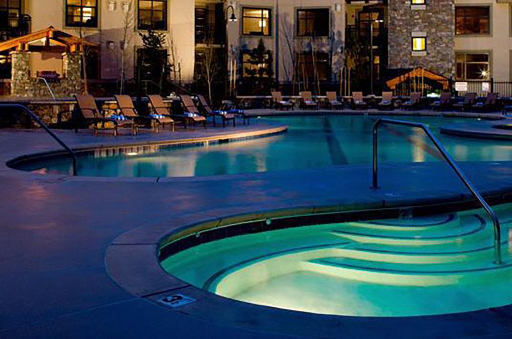 "<img src="" studioINSITE_Westin_Mammoth_Gondola_Pool ""alt=""  Mountain resort, hotel, pool amenity area, gondola, landscape architecture    "" title=""Westin Monache""/>"
