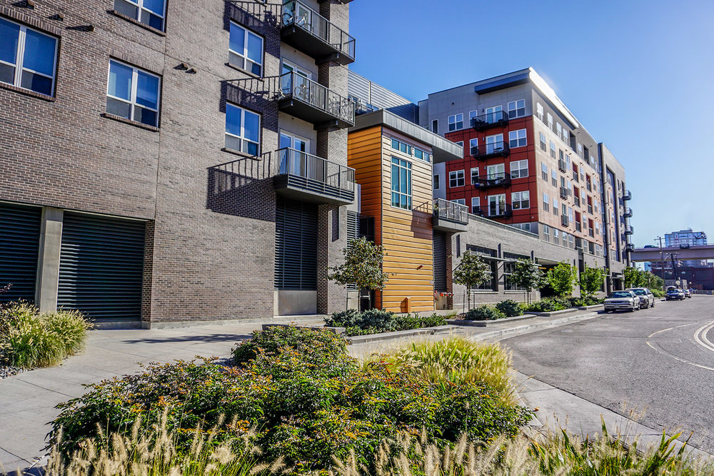 "<img src="" studioINSITE_The_Douglas_Firepit_Seating "" alt=""Urban Living, Multifamily Courtyard, Amenity Deck, Fire Pit, Grill Area, Shade Structure, Fireplace, Landscape Architecture, Luxury Living, the Douglas, Denver, CO, Colorado Courtyards, Amenity Spaces, Great Courtyard Designs  "" title=""The Douglas  ""/>"