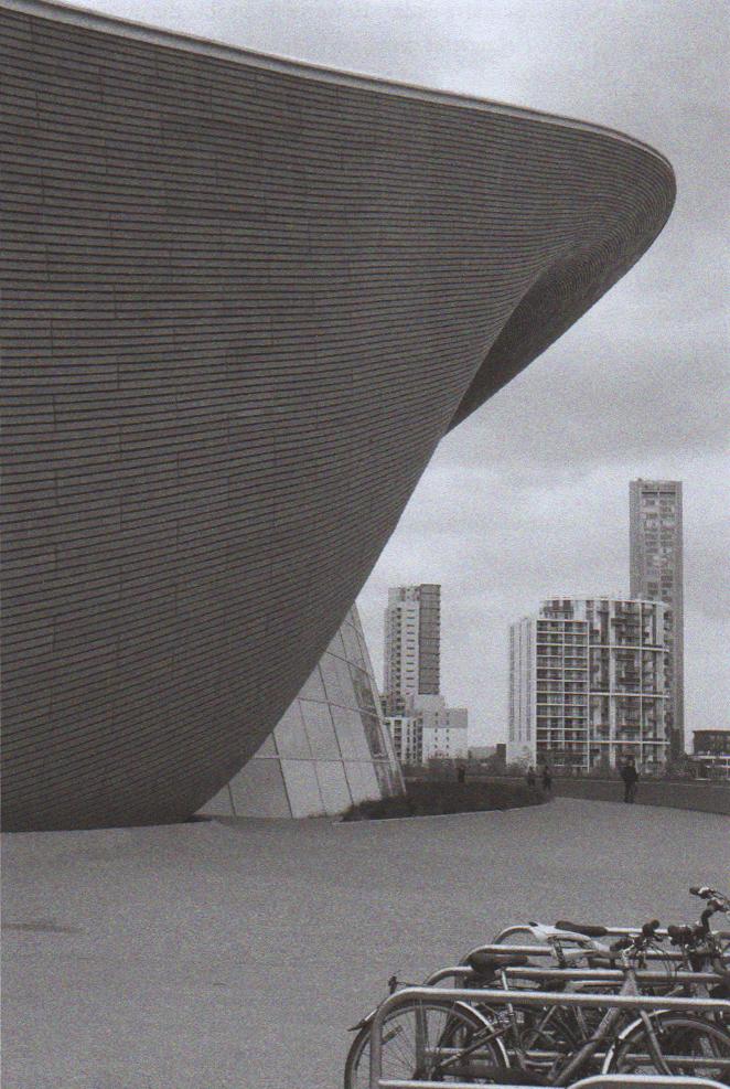 Zaha Hadid - London Aquatics center
