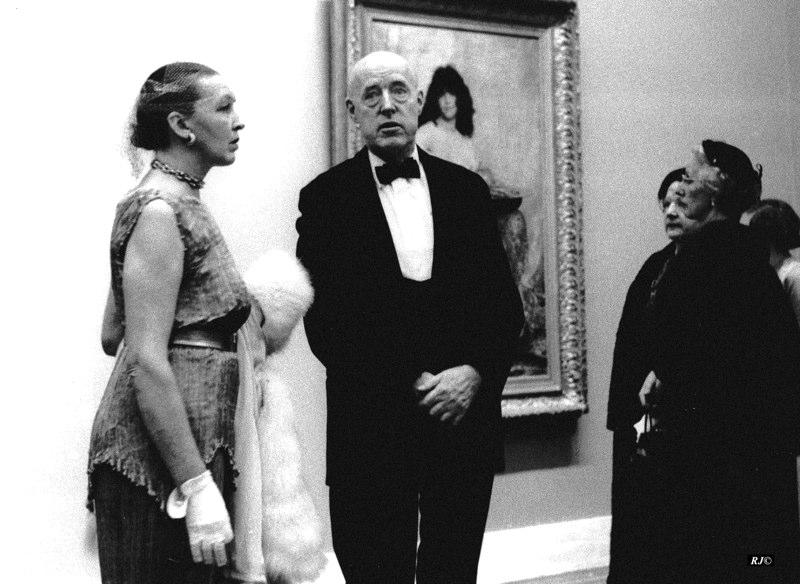 Couple in front of portrait, Metropolitan Museum, 1958