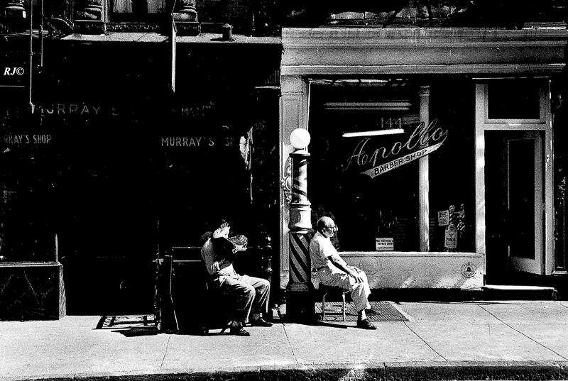 Apollo barber shop, Upper West Side, 1958