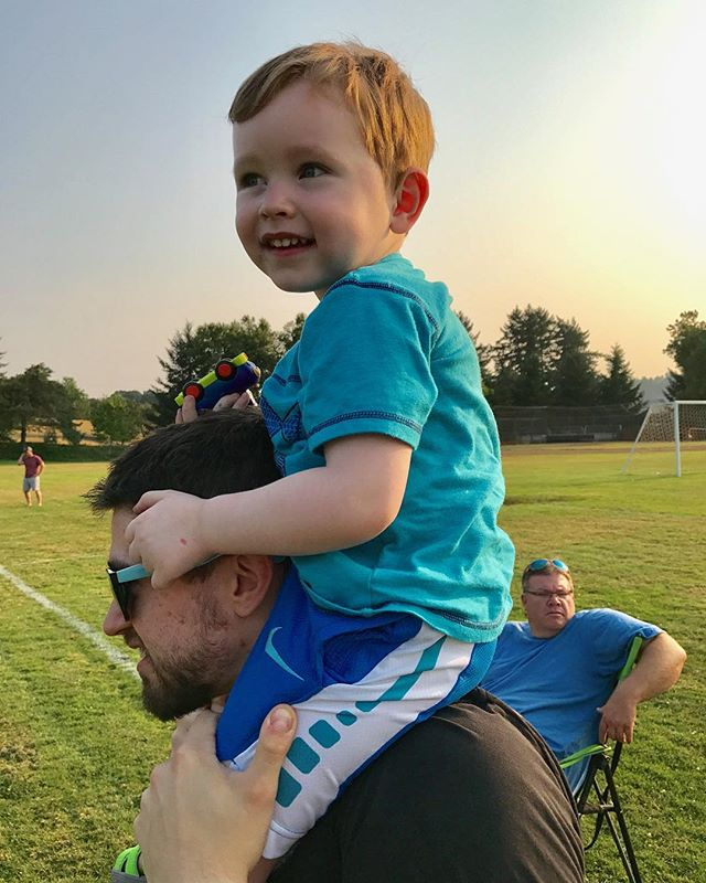This kid is dying to play football! Watching his cousin at football camp 🏈 . . . #football #boymama #summer #summertime #toddlersofig #instaphoto #photooftheday #family #sweetboy