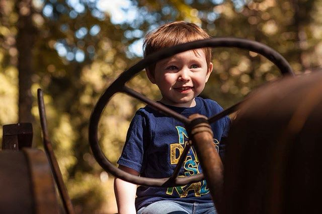 This boy + his love for cars, trucks and tractors 🚗🚜🚑🚛 . . . #boymama #summer #letthembelittle #boymom #instaphoto #momlife #farm #pnw #tractor #summertime #toddlersofig #myheart #farmlife #icouldliveouthere #truthbetold #notmuchofacitygirl #adventure #explore #goplaces #getoutsideandexplore #whynot #fun #photooftheday
