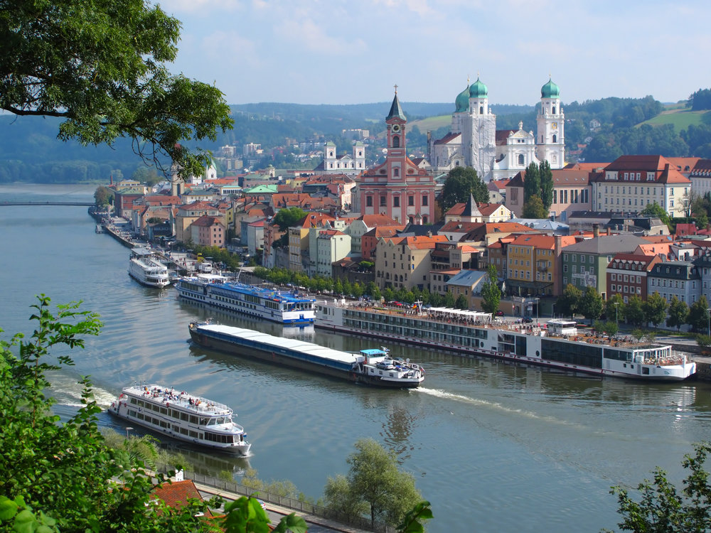 river cruise travel agent