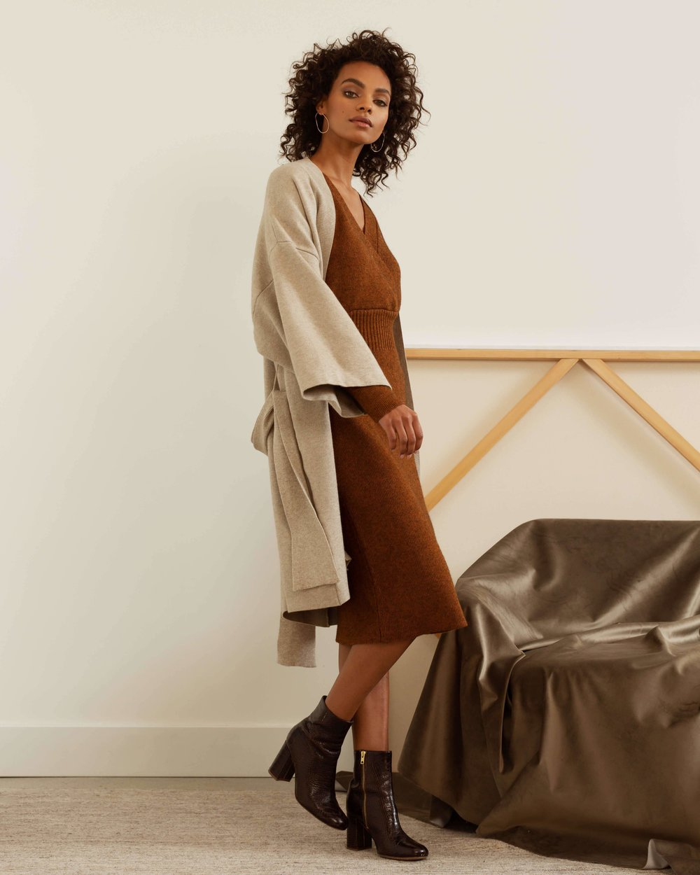 modern-citizen-nyla-oversized-tie-front-sweater-coat-sweaters-3_438c5aa6-8376-4e10-a301-ad45dfd009be.jpg