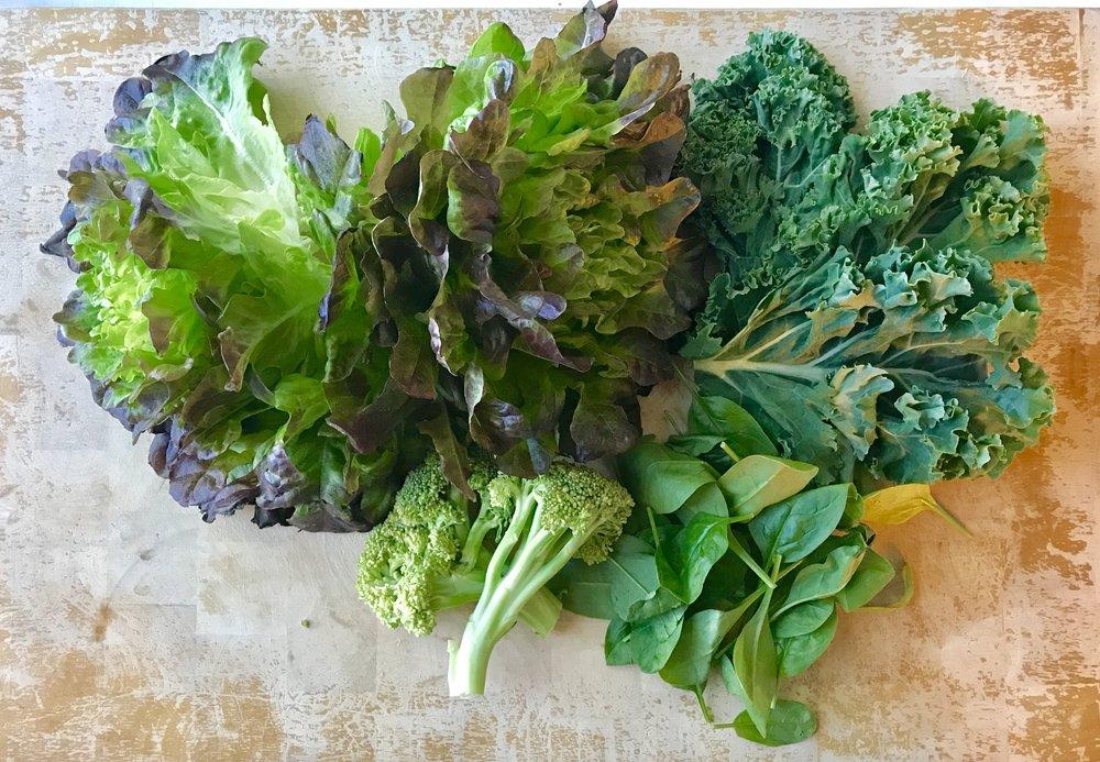 Tällaisen määrän vihreiden syöminen olisi ilman smoothia aika haastavaa.