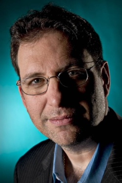 Kevin Mitnick The World's Most Famous Hacker Click here for bio