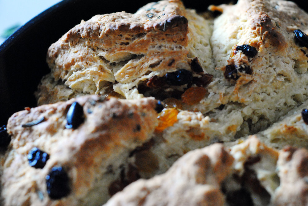scoring on irish soda bread