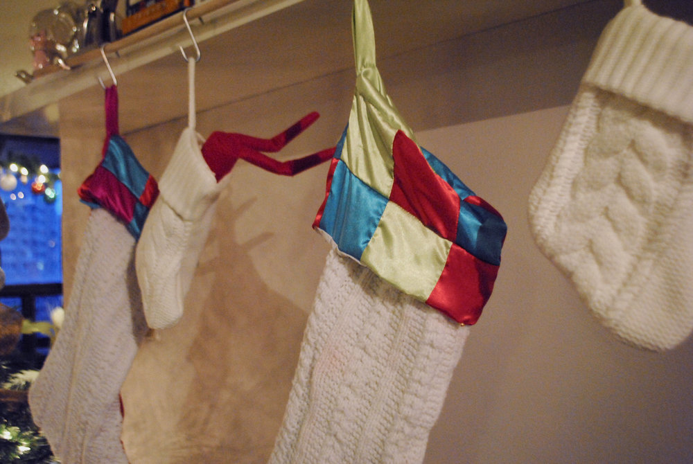 elf-in-the-shelf-stockings_Christmas-in-july_lily-muffins-blog.jpg
