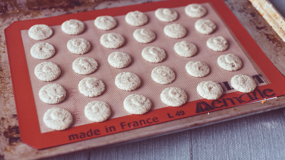 prepping-macarons-lily-muffins.jpg