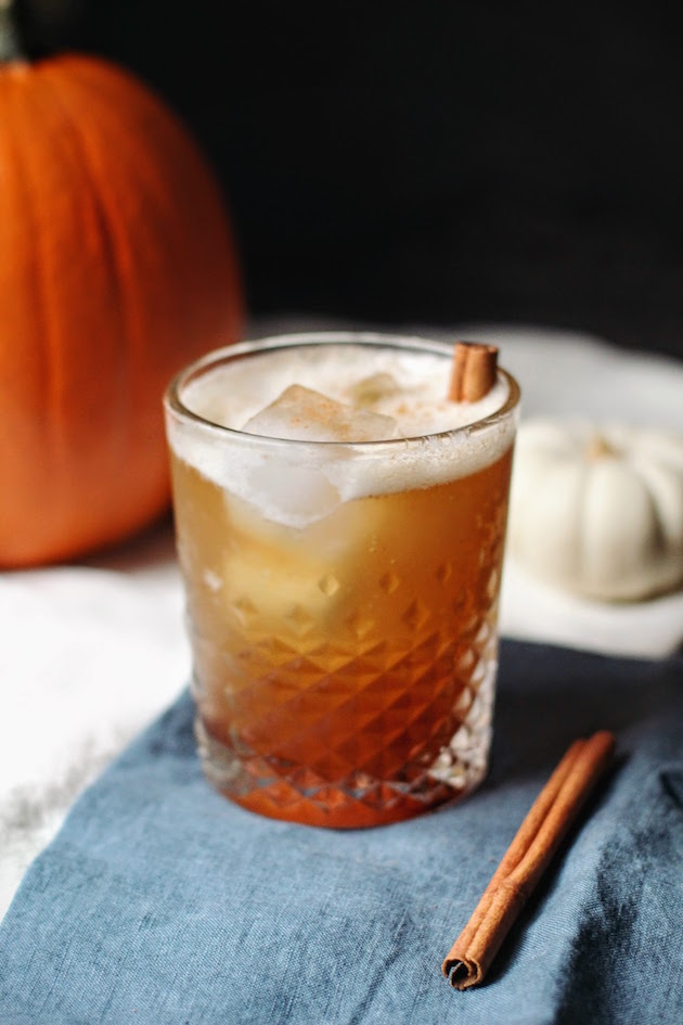 Spiced Maple Bourbon Cocktail - perfect for Thanksgiving!