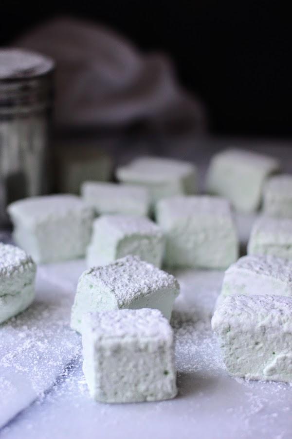 Easy Homemade Peppermint Marshmallows