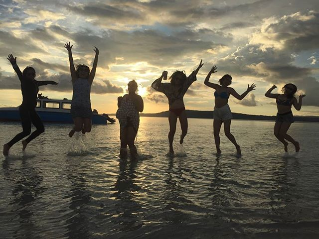 They don't realise they are making memories, they just know they are having fun. . . . . Contact us: 📞: +62821 97509582 📩: info@kakatuahostel.com  www.kakatuahostel.com . . . . #ceritakakatua #kakatuahostel #rajaampat #westpapua #visitrajaampat #rajaampatparadise #visitindonesia #wonderfulindonesia #exploreindonesia #pesonaindonesia #beautifuldestinations #westpapua