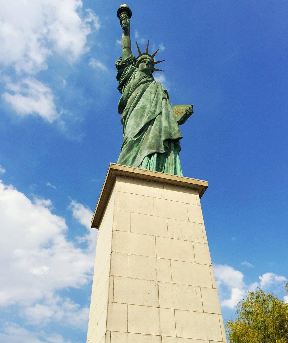 Paris Statue of Liberty.jpg