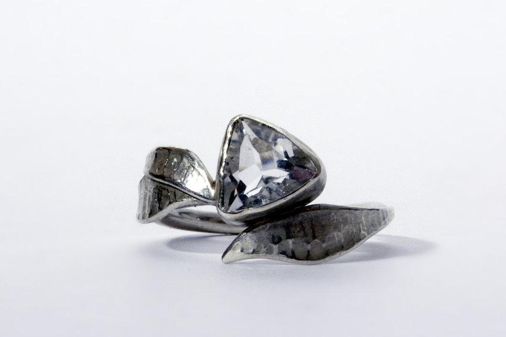 Quartz ring