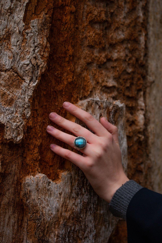 Labradorite ring hand model.jpeg