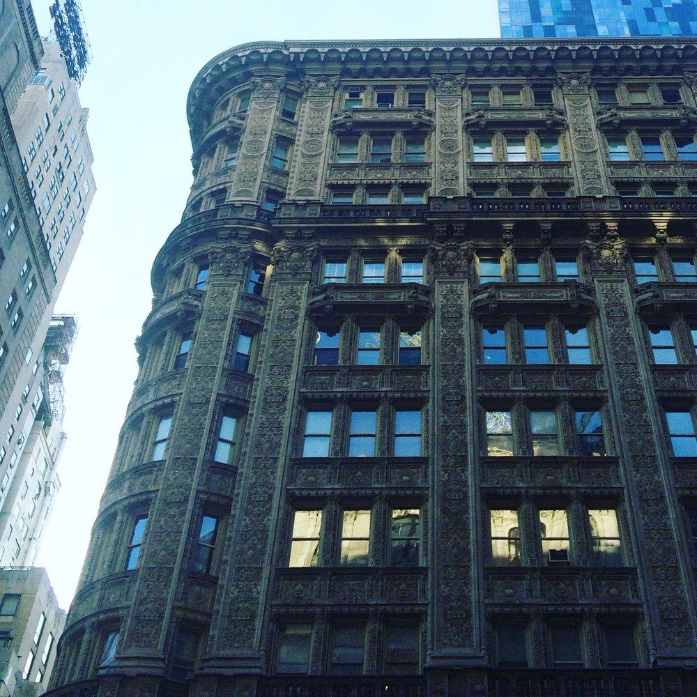 newyorkbuilding.JPG