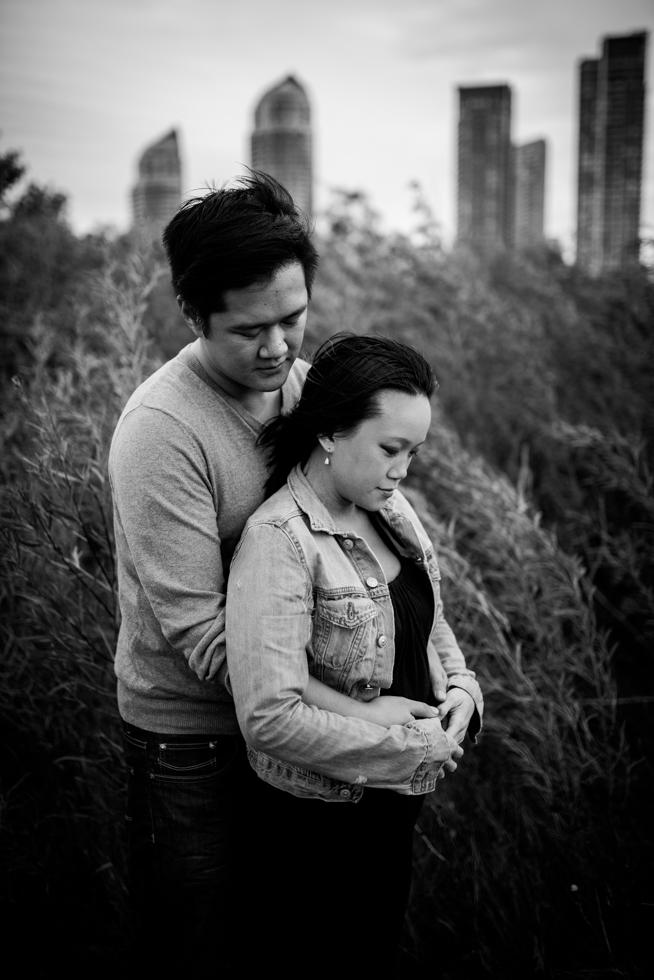 beautiful-expectant-couple-by-jenny-diaz-toronto-maternity-photographer