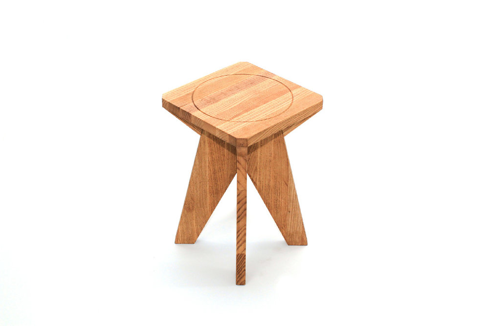 Boa Safra x O Editorial stool