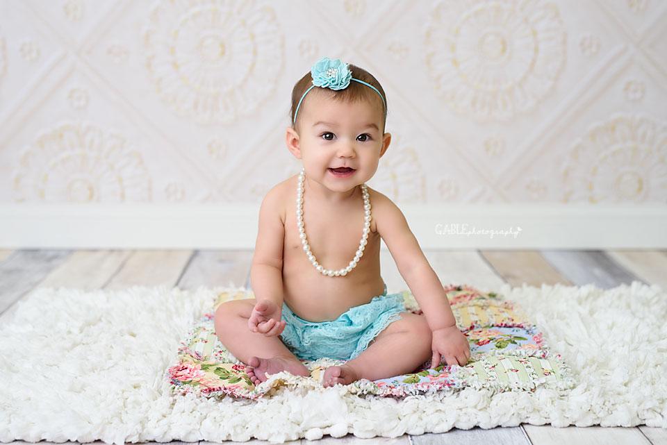 Baby_Photographer_Columbus_Dublin_Hilliard_Ohio_studio_Photography_6months2.jpg