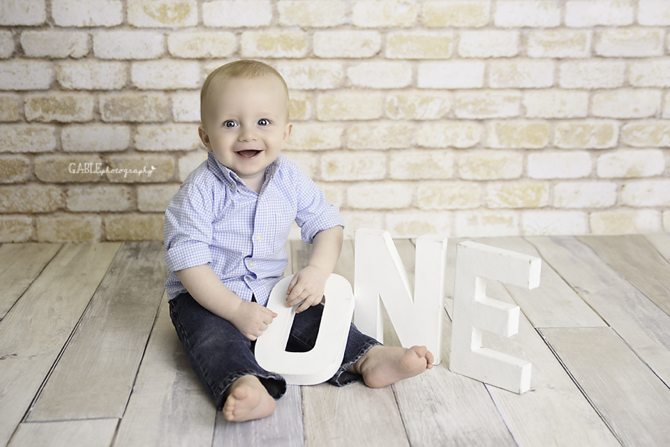 Columbus_Baby_Photographer_6Months_Dublin_Hillaird_Powell_Studio_4.jpg