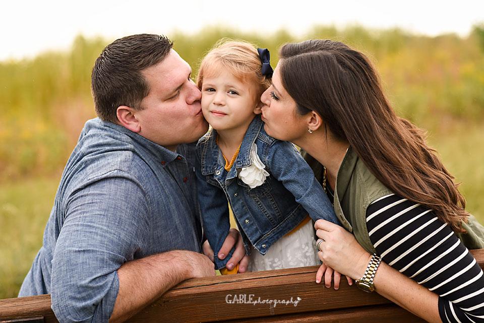 FamilyPhotography_Columbus_Dublin_Hilliard_Ohio_Studio_photographer_8GlacierRidg.jpg