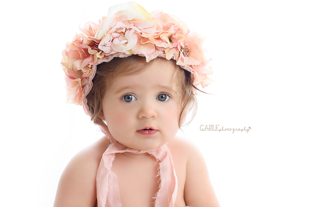 baby girl portrait columbus ohio baby photographer hilliard photography studio millstone photography