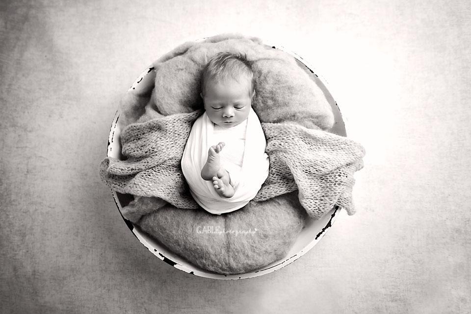 Newborn-photographer-columbus-ohio-photography-studio-hilliard-dublin_2.jpg