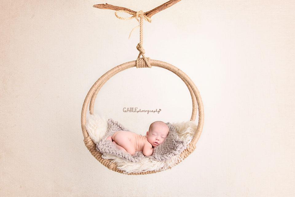 Ohio-Newborn-Photographer-Columbus-ohio-baby-boy-bearhat-1.jpg