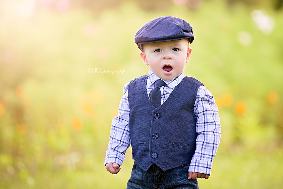 Columbus-ohio-baby-photographer-one-year-cake-smash-outdoor-studio_5.jpg