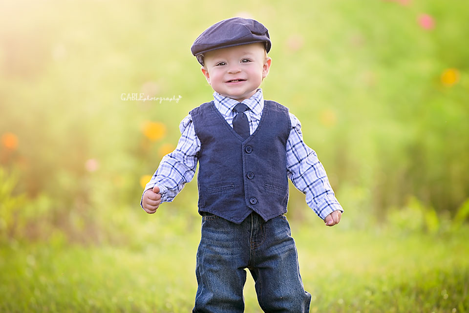 Columbus-ohio-baby-photographer-one-year-cake-smash-outdoor-studio_6.jpg