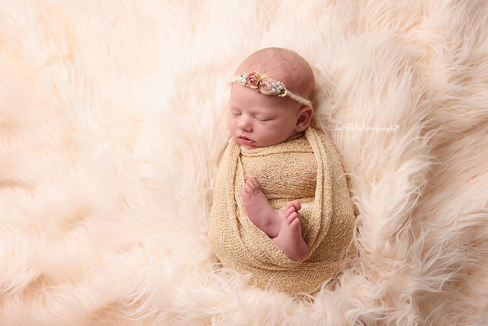 Newborn-photographer-columbus-ohio-dublin-hilliard-powell-baby-gable-photography-studio-5.jpg