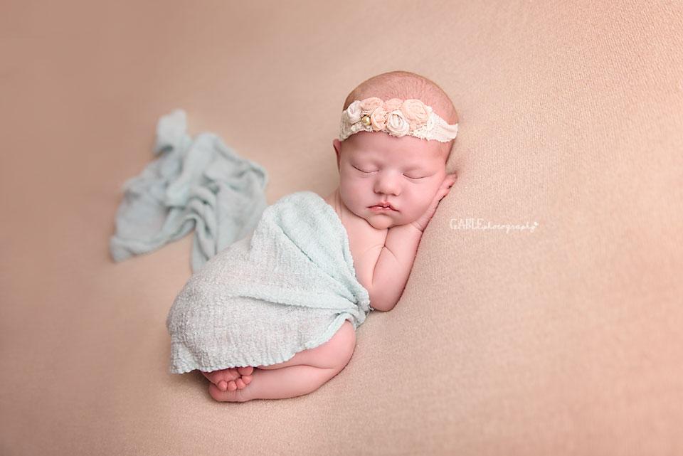 Newborn-photographer-columbus-ohio-dublin-hilliard-powell-baby-photography-studio-1.jpg