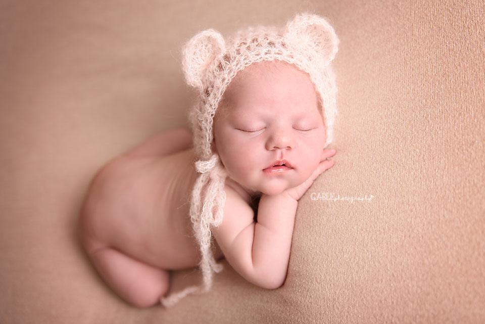 Newborn-photographer-columbus-ohio-dublin-hilliard-powell-baby-photography-studio-4.jpg