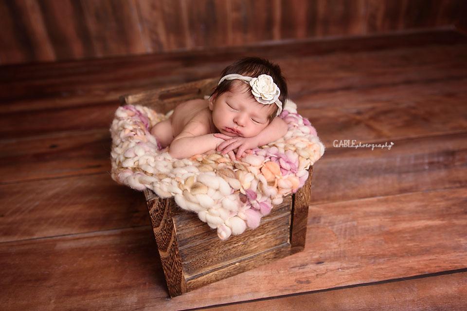 newborn-photographer-columbus-ohio-dublin-hilliard-studio-photography-baby1.jpg