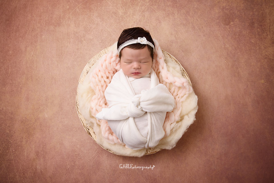 Newborn-photographer-columbus-ohio-baby-photographer-studio-dublin-hilliard-powell.jpg